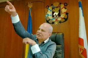 Мэр Керчи Осадчий уходит в отставку к радости жителей города