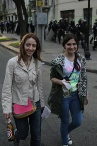 Бутылки в руках этих девок полетят сейчас в Дом профсоюзов. Вскоре сторонники европейских ценностей будут обворовывать обгоревшие трупы и фотографировать на зловещем фоне.