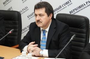 Вице-спикер Ремзи Ильясов не намерен следовать распоряжениям лидера меджлиса Рефата Чубарова