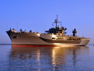 Американский военный корабль Mount Whitney вновь вошел в Черное море. Он уже находился в регионе по время сочинской Олимпиады
