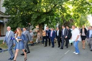 Французские депутаты прогуливаются по Симферополю