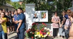 Похороны жертв расстрела подстанции скорой помощи в Симферополе