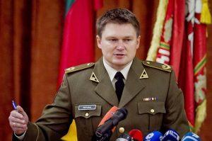 Подполковник Саулюс Пиктурна наказан за женитьбу на крымчанке